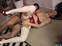 British milf gets spunked