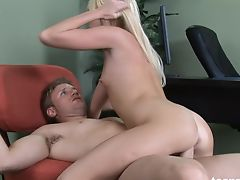 Teenrs.com Young Alexia fucks her doctor